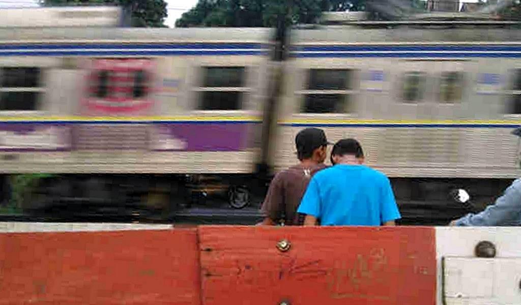 Merekam Kebodohan dan Kekonyolan Orang Indonesia Dengan Smartphone