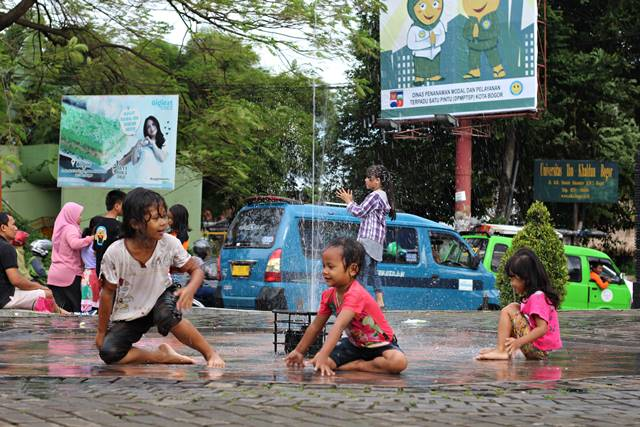 Fotografi Jalanan Itu Kerjaannya Orang Yang Kurang Kerjaan
