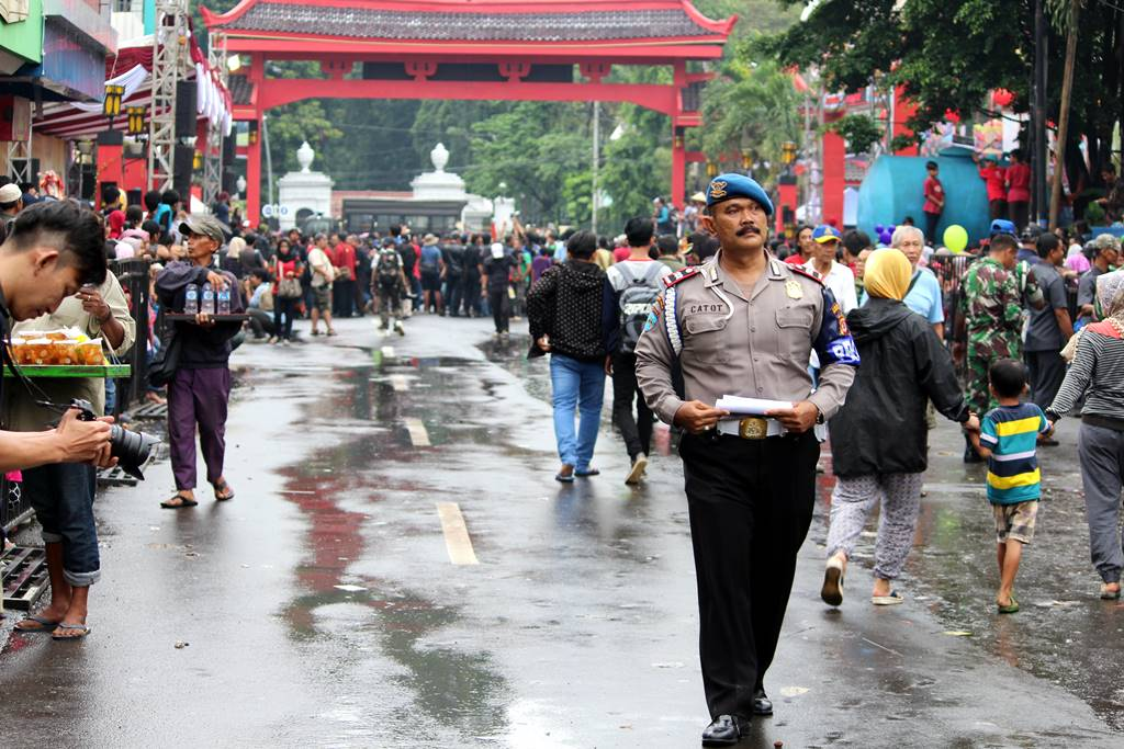 Pak Polisi Yang Gagah Dengan Kumisnya