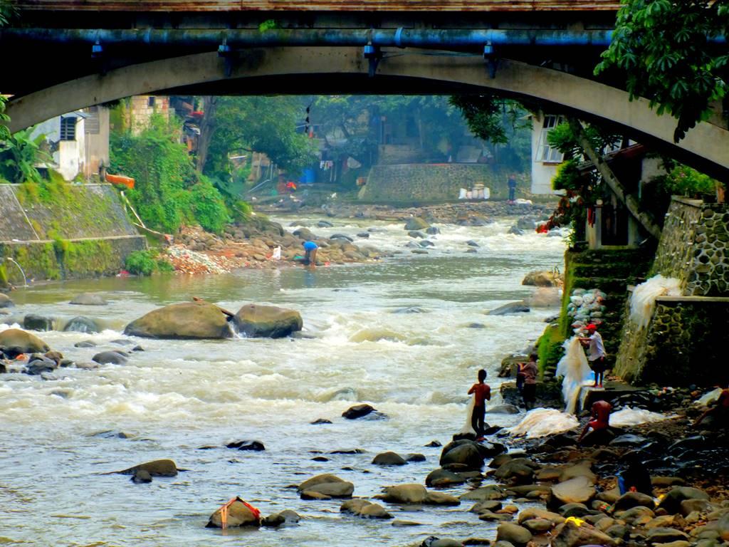 Rekaman Kehidupan Pinggir Sungai
