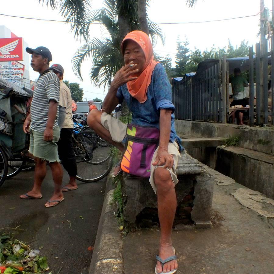 http://www.maniakpotret.com/2020/04/berkarya-saat-dirumahaja-tentu-bisa.html