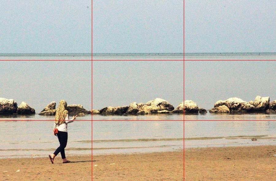 sepertiga atas bawah tengah garis horison saat memotret pemandangan di pantai 3